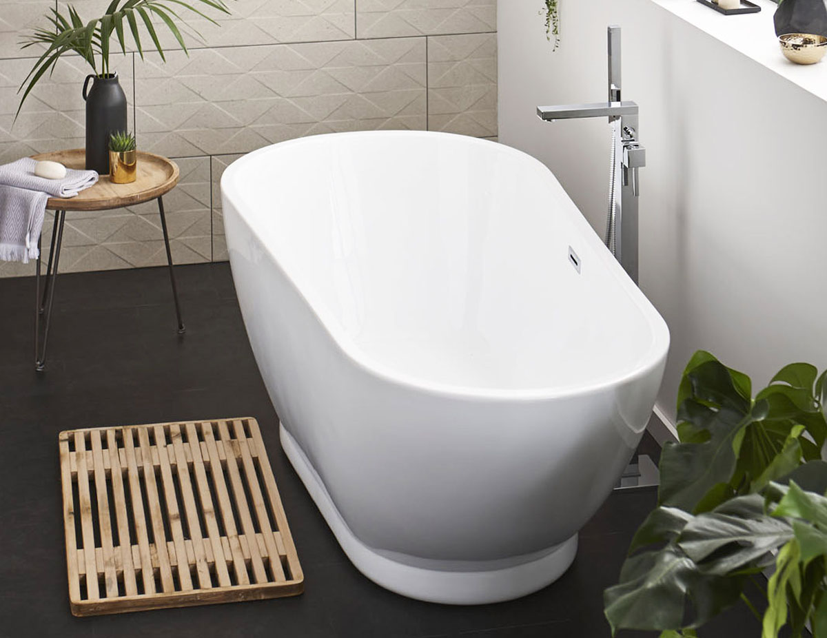 The Esposito Modern Freestanding Bath from VIP Bathrooms - now only 639.99 GBP!